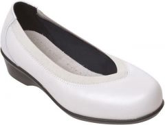 Maggie Ivory Size 6 & 6.5